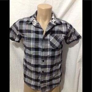 Boy's size 12/14 short sleeve button- down shirt